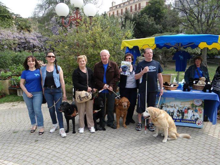 Les chiens guides à la foire aux plants de Toulon