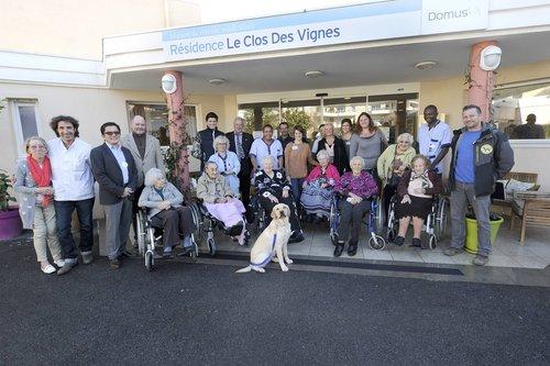 Chien guide reformé à la maison de retraite Le Clos des Vignes
